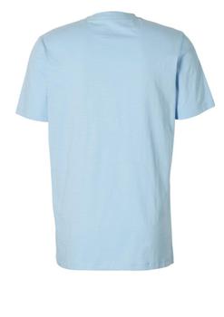 Een stijlvol, opvallend T-shirt van het merk Kitaro. Dit T-shirt is gemaakt van 100% katoen en heeft opde voorkant een kleurrijke surf print. Ideaal te combineren met verschillende soorten spijker- en korte broeken en te bestellen in de maten 2 t/m wel 8XL! Bekijk hieronder in de maattabel welke maat het best bij je past!