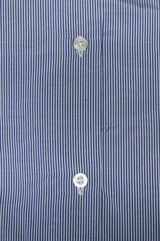 Mooi overhemd van Mr. Marten, Borstzakje op de linkerborst, fijne streep wit en lichtblauw.