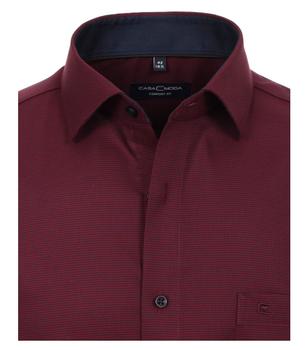 overhemd van merk CASA MODA in de kleur rood, gemaakt van 100% katoen. Dit modieuze business overhemd is comfortabel om te dragen dankzij de comfortabele pasvorm en de verwerking van puur katoen. Dankzij zijn subtiele look is het op vele manieren te combineren en is het daarom de perfecte aanvulling op elke zakelijke look. Of het nu klassiek is met een pantalon en stropdas of in combinatie met chino's in bijpassende kleuren - dit overhemd is altijd een goede keuze.