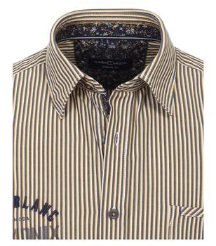 Een casual overhemd wat ook zakelijk niet zou misstaan, in de kwaliteit die we van Casa Moda gewend zijn, prachtig popline katoen met een Kent kraag. Let op de mooie afwerking met oog voor detail en een blauwe contrast stof in de kraag en mouwen.