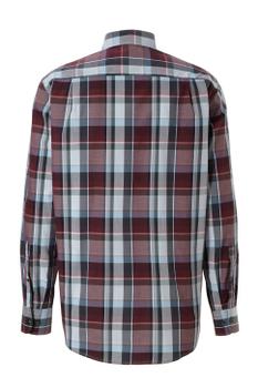"""Overhemd met lange mouwen van Casa Moda met linkerborstzakje, contrastkleur stof in de boorden en """"widespread"""" kraag. Rood-grijs geblokt motief. Dit overhemd is extra lang, zo'n 5 cm langer als normaal, zie hiervoor ook onze maattabel hieronder."""