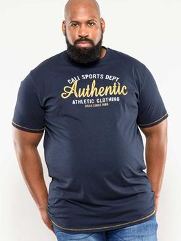 """t-shirt """"Jasper"""" van merk D555 in de kleur navy, gemaakt van 100% katoen."""