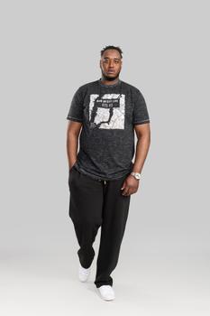 T-shirt van merk D555 in de kleur black reno, gemaakt van 60% katoen 40% polyester.