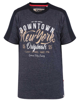 """T-shirt """"Tiverton"""" van merk D555 in de kleur navy-strip, gemaakt van poly-cotton."""