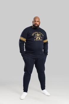 sweater van merk D555 in de kleur navy, gemaakt van 60% katoen 40% polyester.