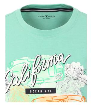 T-shirt van merk CASA MODA in de kleur groen, gemaakt van 100% katoen. Dit T-shirt is gemaakt van puur katoen en is zeer comfortabel om te dragen. Het sportieve design met trendy logo print past perfect bij elke sportieve look en kan op veel manieren worden gecombineerd. Het T-shirt kan veelzijdig gedragen worden en is een absolute must have voor iedere garderobe.