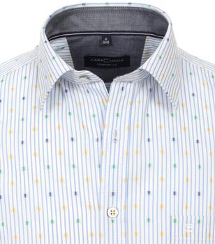 Overhemd met korte mouw van merk CASA MODA in de kleur blauw, gemaakt van 100% katoen. Dit vrijetijdsshirt heeft een comfortabele pasvorm en is zeer comfortabel om te dragen dankzij de kwaliteit van puur katoen. Het moderne streeppatroon maakt het de perfecte aanvulling op elke casual look en mag daarom in geen enkele garderobe ontbreken. Met jeans of chino , dit overhemd past erbij elke outfit is een echte eye catcher.