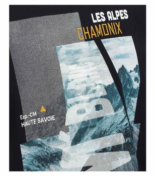 T-shirt van merk CASA MODA in de kleur blauw, gemaakt van 100% katoen. Dit T-shirt is gemaakt van puur katoen en is zeer comfortabel om te dragen. Het sportieve design met trendy logo print is een perfecte aanvulling op elke sportieve look. Of het nu met jeans, chino's of shorts is, dit T-shirt is op vele manieren te combineren en is een absolute must have voor elke garderobe.