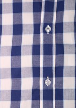 """Van de KAM JEANSWARE """"vintage serie"""" Bluw-wit geblokt overhemd met korte mouwen. Hele fijne, geblokte stof. Button down kraag en borstzakje op de linkerborst. De lila contrasterende stof onder de knopenlijst en in de kraag maakt dit overhemd helemaal af. KAM overhemden vallen behoorlijk ruim, zie ook de maattabel."""
