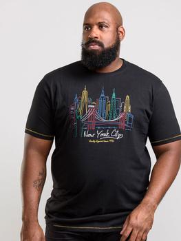 Mooi T-Shirt van D555 met New York gekleurde skyline print. Gemaakt van 100% katoen.