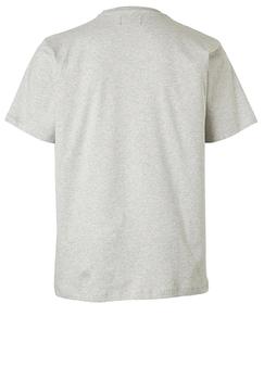Grijs T-shirt van Melvinsi met mooie, wereldse print en ronde hals. Gemaakt van zacht katoen voor optimaal draagcomfort.