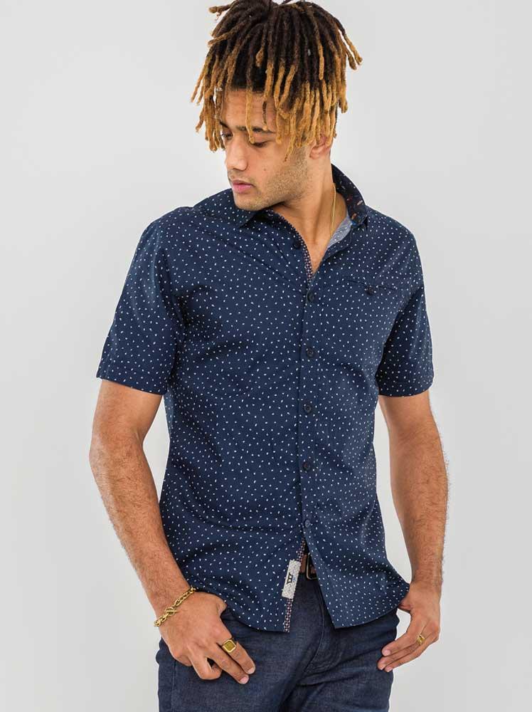 """Polo shirt """"Derwent"""" van merk D555 in de kleur navy."""