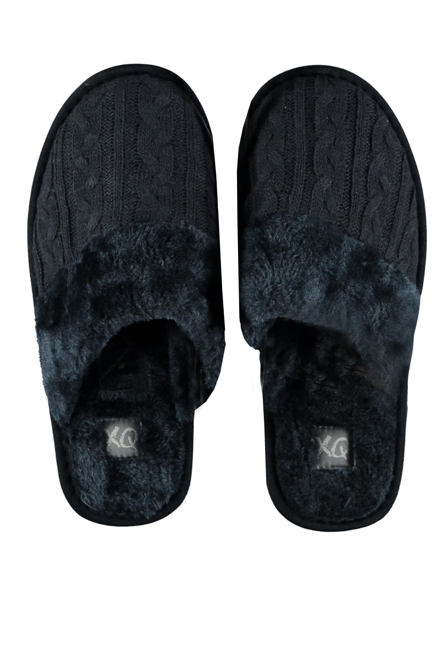 Mooie pantoffels met (nep) bont van het merk Appolo. Leuke blauwe pantoffels voor lekkere warme voeten in de herfst en winter. Lekker zacht en comfortabel voor de voeten.