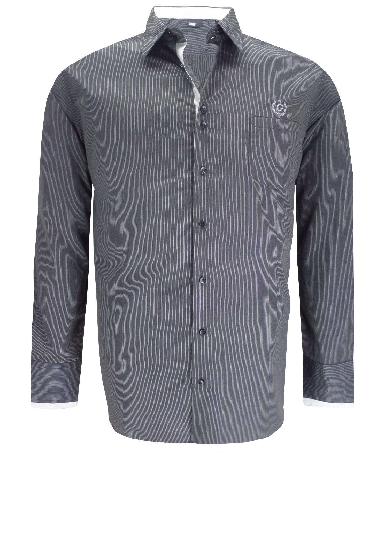 Elegant gestreept overhemd van Greyes met een klassieke kraag, een open borstzakje met geborduurd merklogo op de linker borst, stijlvolle contrasterende elementen aan de binnenkraag, manchetten en de knooplijst en contrasterend stiksel bij de knoopjes.Het overhemd is rond afgezoomd.