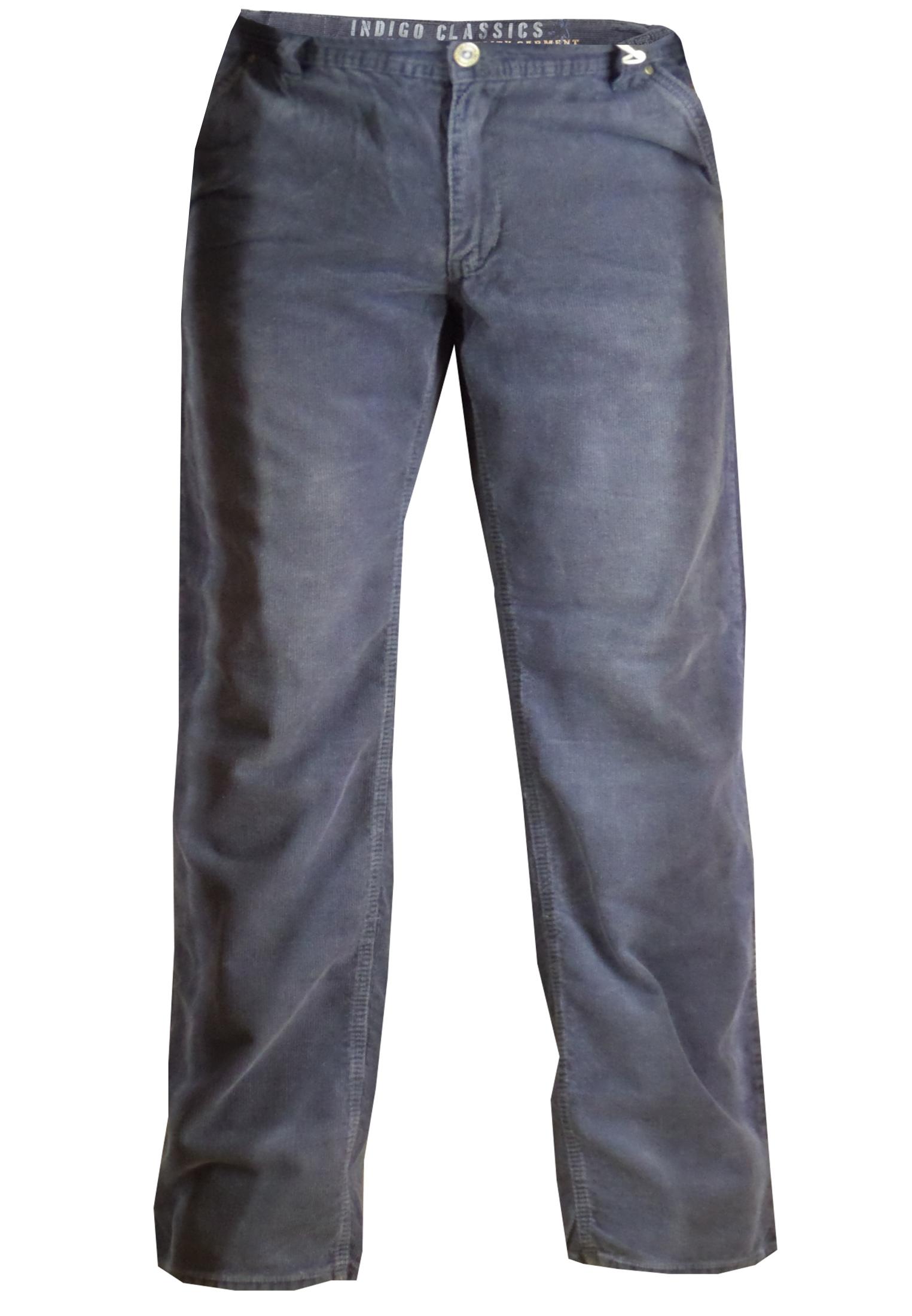 Greyes corduroybroek met ritssluiting en knoop, tailleband met riemlussen, 2 steekzakken voor en 2 achterzakken.