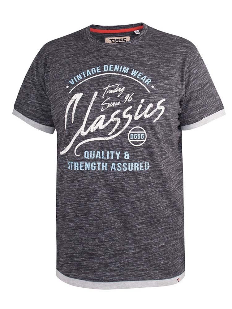 """T-Shirt """"Albury"""" van merk D555 in de kleur black reno, gemaakt van poly-cotton, met dubbel stof afwerking aan onderkant en mouwen. Bijzonder zachte stof voor een heerlijk draagcomfort."""