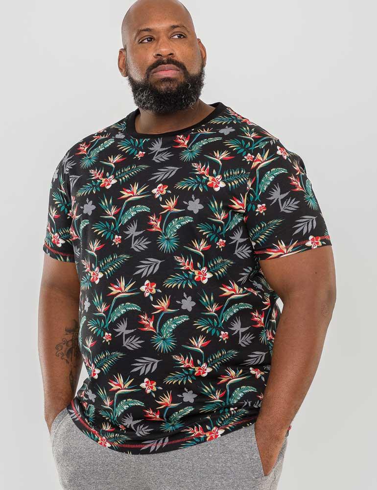 """T-Shirt """"Keating"""" van merk D555 in de kleur zwart, gemaakt van organic cotton."""
