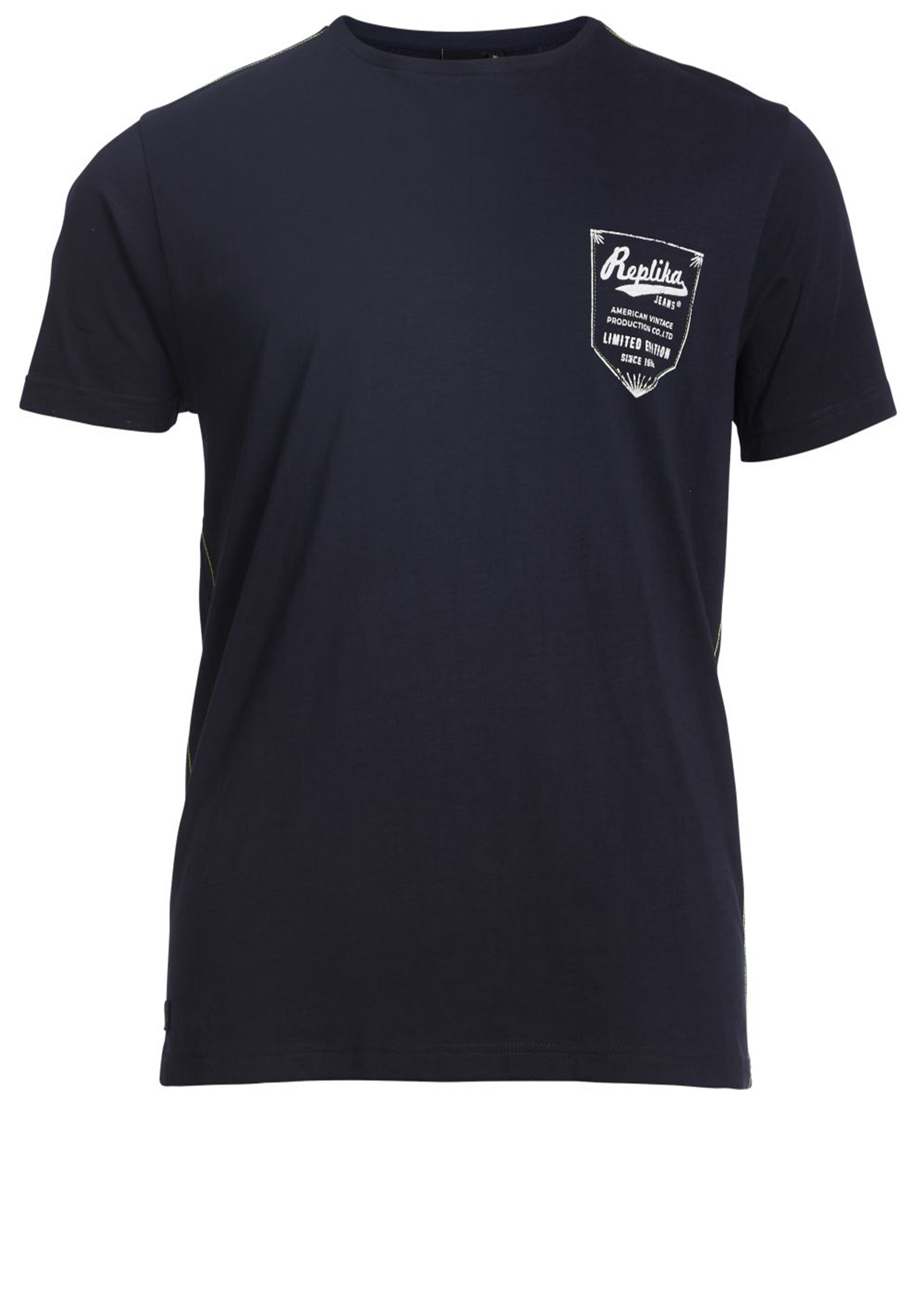 Leuk navy t-shirt van Replika met ronde hals en witte print aan de voorkant. Mooi kwalitatief t-shirt gemaakt van een zachte stof voor extra draagcomfort.Erg leuk shirt om op een spijkerbroek te dragen.