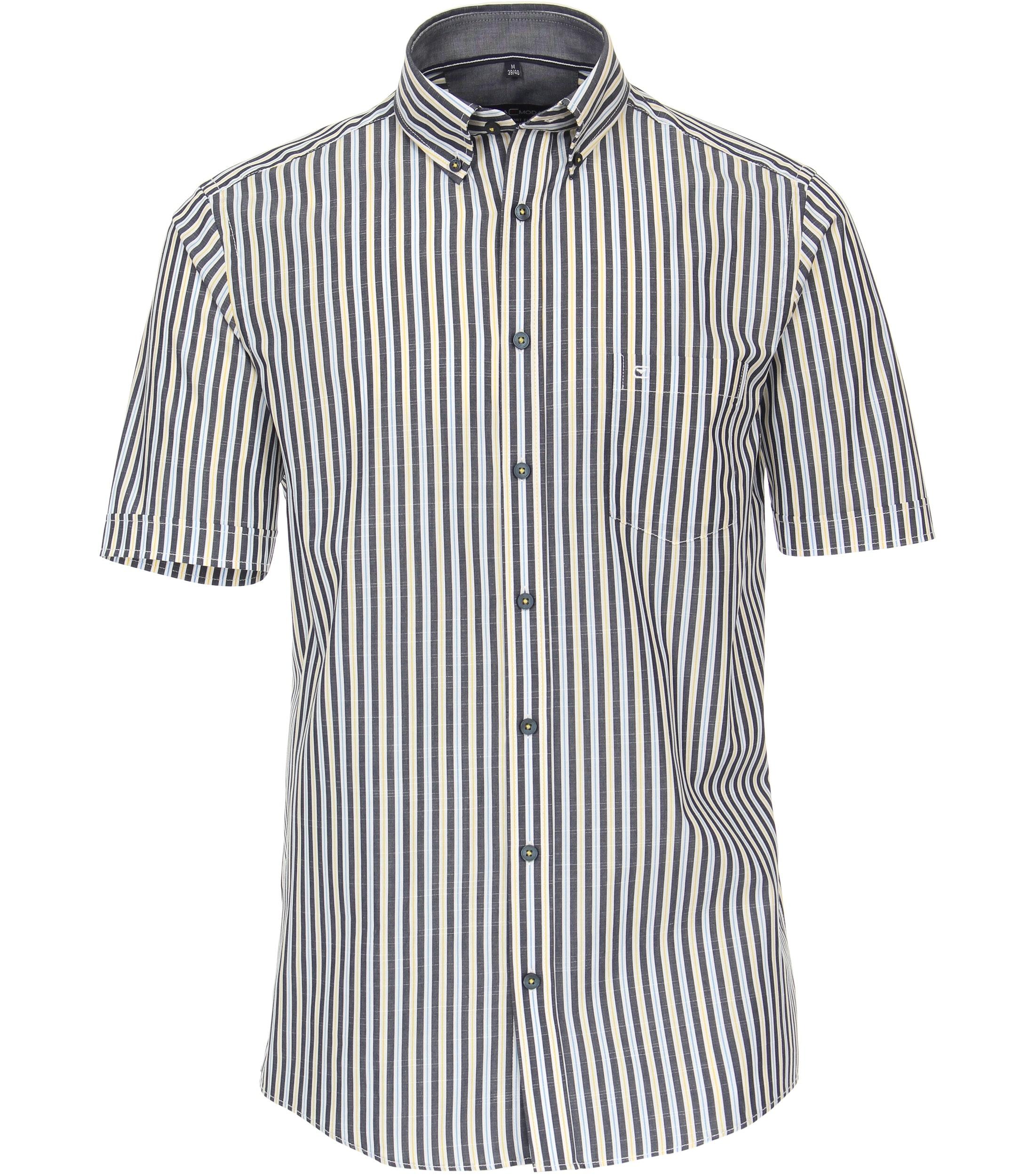 Overhemd met korte mouw van merk CASA MODA in de kleur lichtblauw, gemaakt van 100% katoen. Dit modieuze vrijetijdsshirt met comfortabele pasvorm is gemaakt van puur katoen en is uiterst comfortabel om te dragen. Het moderne streeppatroon maakt het de perfecte aanvulling op elke casual look en mag daarom niet ontbreken in elke garderobe. Met jeans of chino's, met dit shirt wordt elke outfit een echte eye catcher.