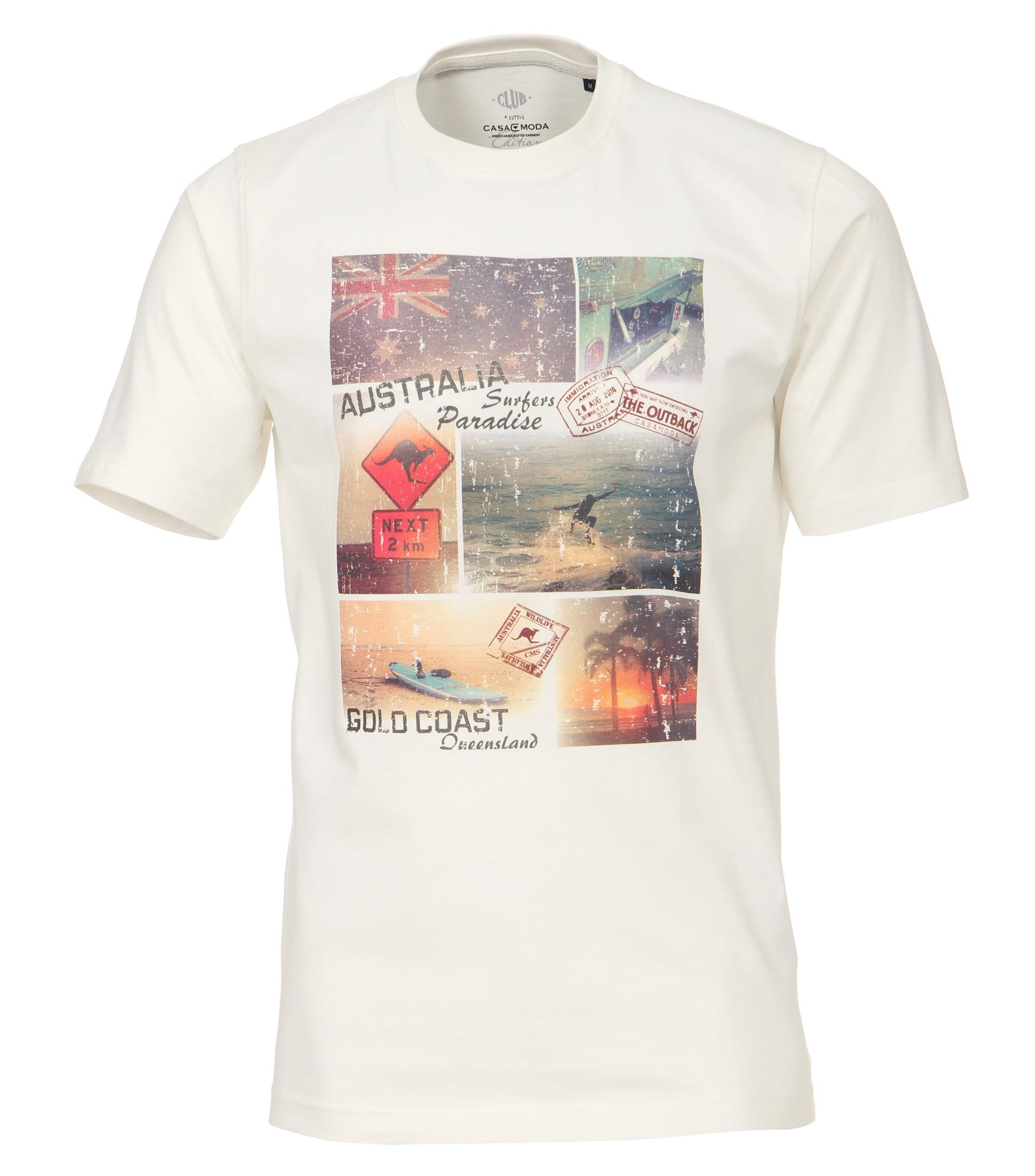 Gebroken wit T-shirt van Casa Moda met leuke print. Het shirt is gemaakt van een zachte stof voor een optimaal draagcomfort. Dit shirt is ideaal te combineren met diverse soorten jeans en shorts. Erg leuk voor de zomer.
