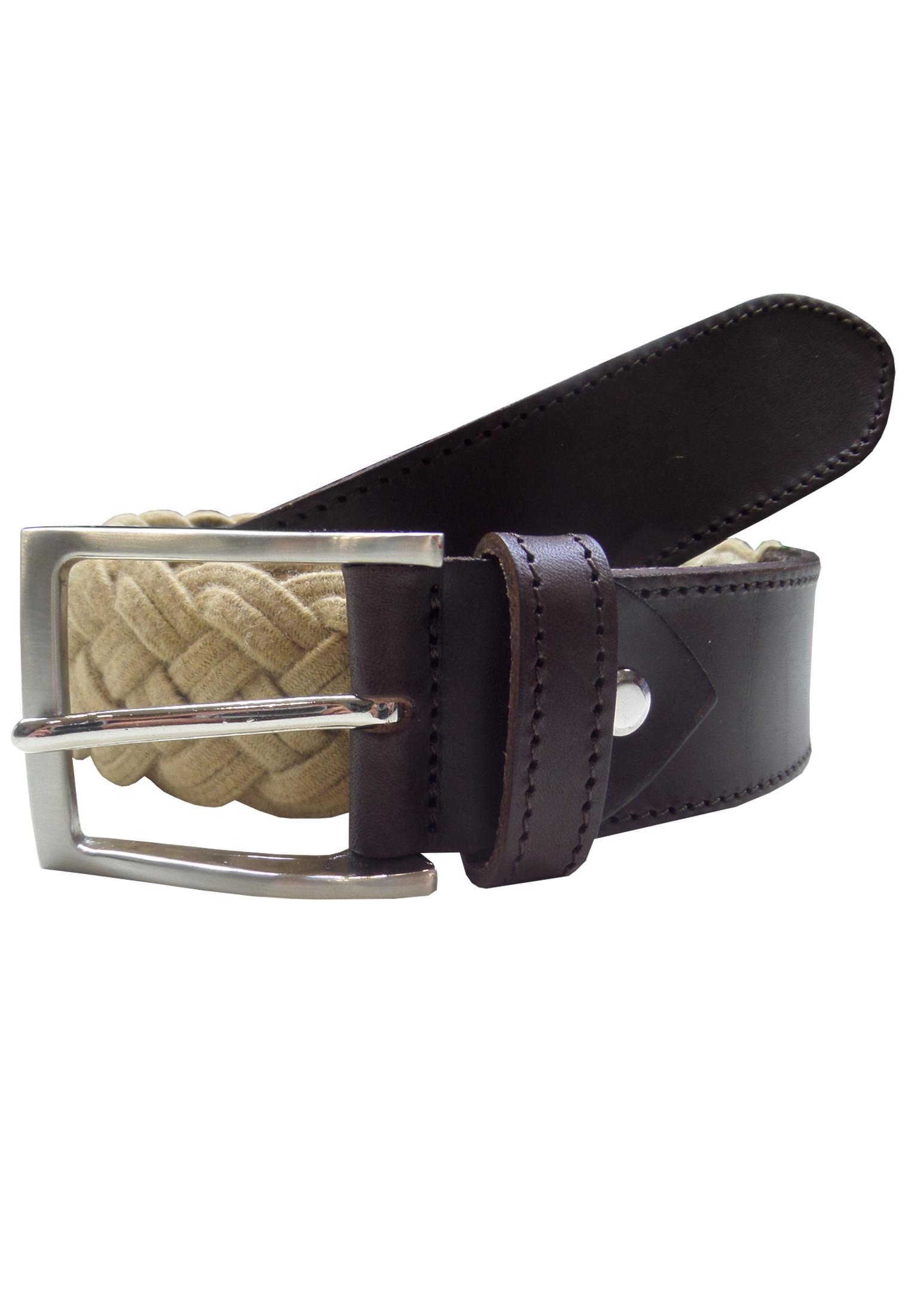 Elastische gevlochten riem van Maxfort, voorzien van een vierkante zilveren gesp en aan het begin en eind voorzien van een stuk leer. Breedte van de riem: 3,5 cm.