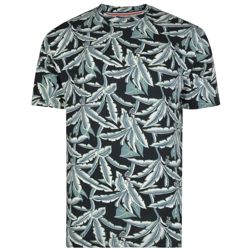 Een mooie plus size heren T-shirt van KAM Jeanswear. Met blaadjes print en uiteraard van 100% katoen.
