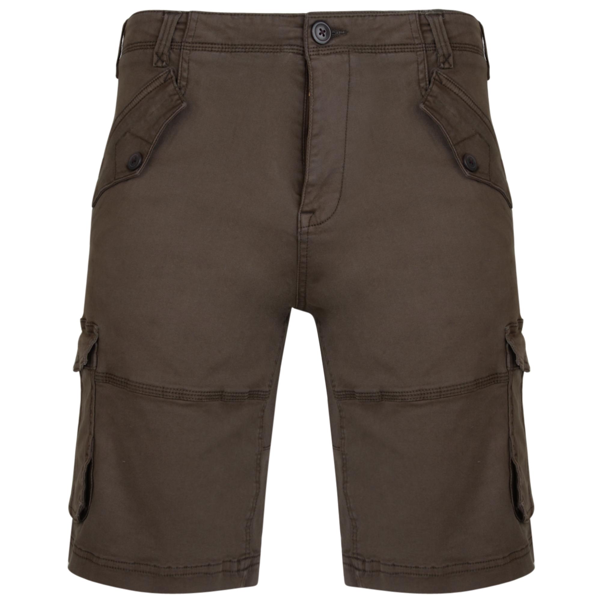 Short van KAM met rits in de kleur khaki. Diepe zakken.
