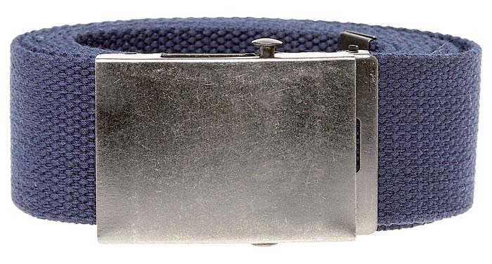 Grof geweven riem van Duke London, voorzien van een metalen koppelgesp en metalen afwerking aan het einde van de riem. De riem is in te korten door de gesp aan de achterzijde.Breedte van de riem: 4 cm