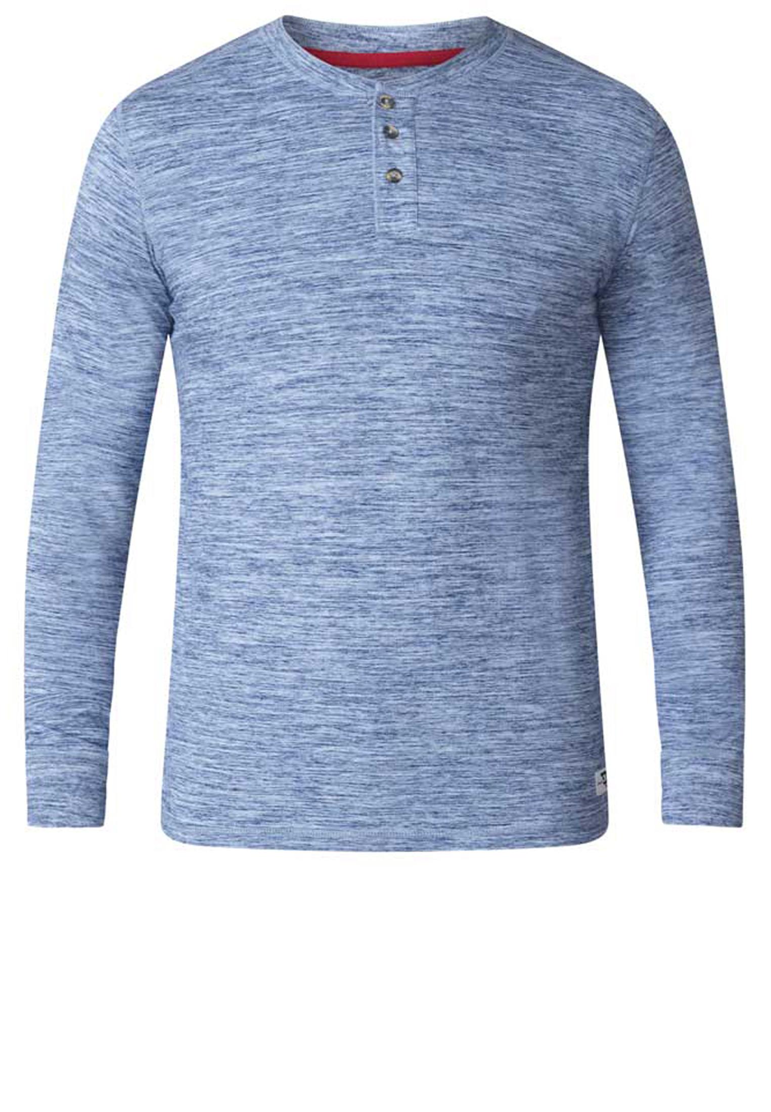 Blauw melange longsleeve van het merk D555. Deze longsleeve heeft een ronde hals met knopenlijst. Gemaakt van een lekkere dunne stof waardoor hij niet te warm is en leuk te combineren is op een spijkerbroek en eventueel met een warm vest.