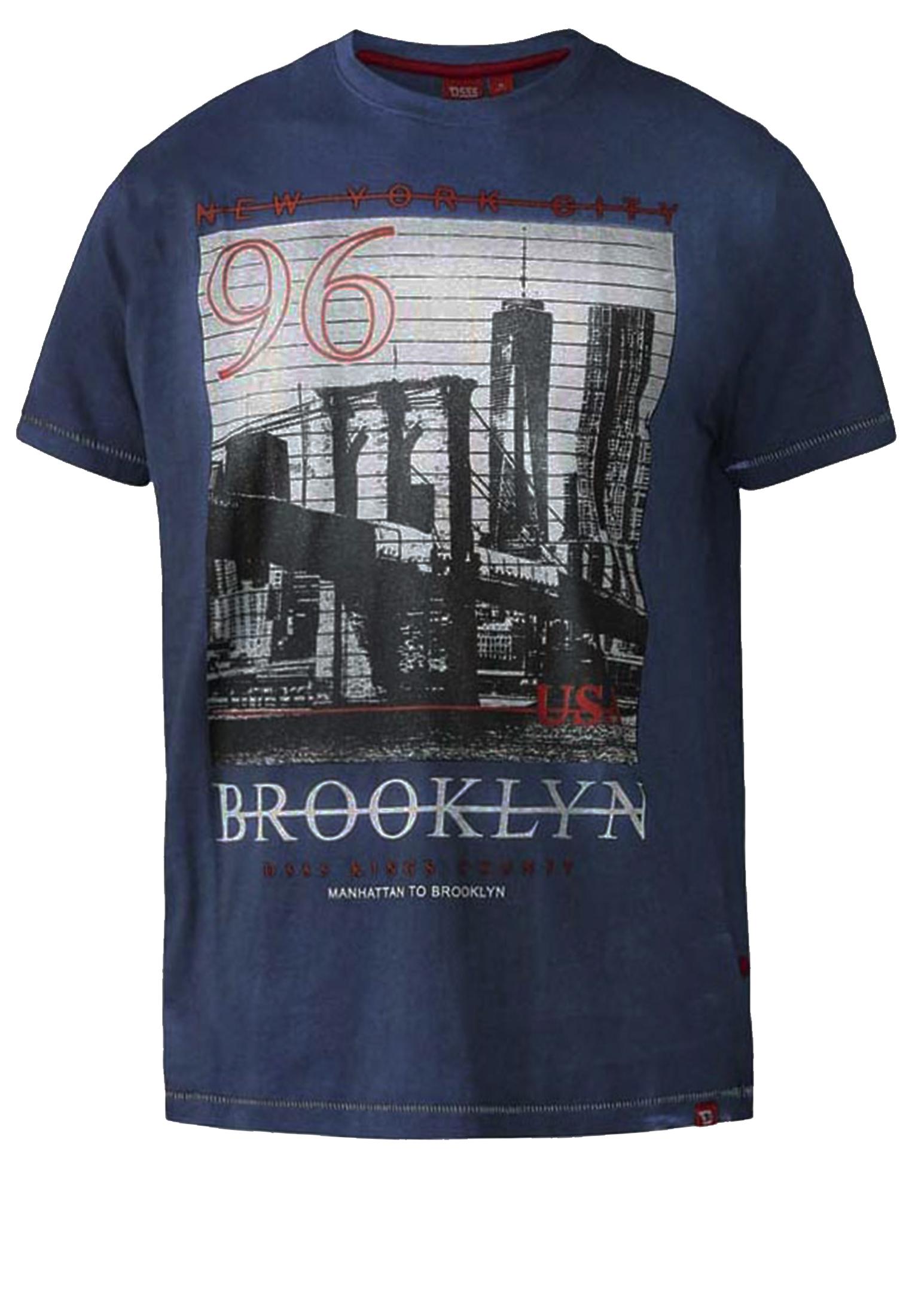 Een stijlvol, opvallend T-shirt van het merk D555. Dit T-shirt is gemaakt van 100% katoen en heeft aan de voorkant een mooie Brooklyn opdruk. Ideaal te combineren met verschillende soorten spijker- en korte broeken en te bestellen in de maten 2 t/m wel 8XL! Bekijk hieronder in de maattabel welke maat het best bij je past!
