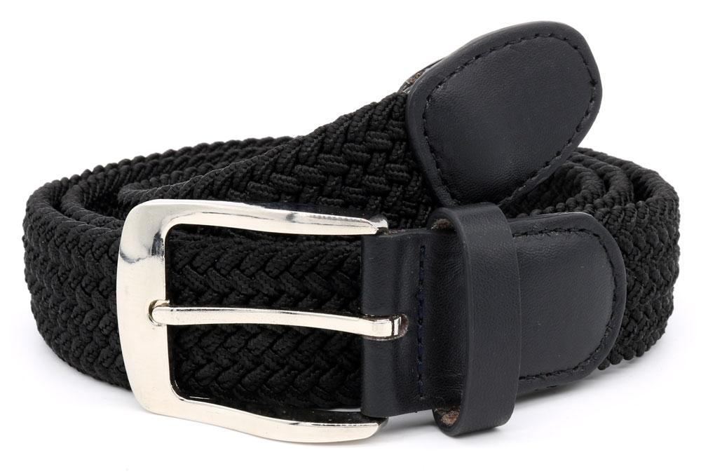 Grof geweven elastische riem van D555, voorzien van een metalen gesp en afwerking aan het einde van de riem. Deze riem heeft geen gaatjes waardoor hij op ieder gewenste lengte gedragen kan worden.Breedte van de riem: 3,5 cm