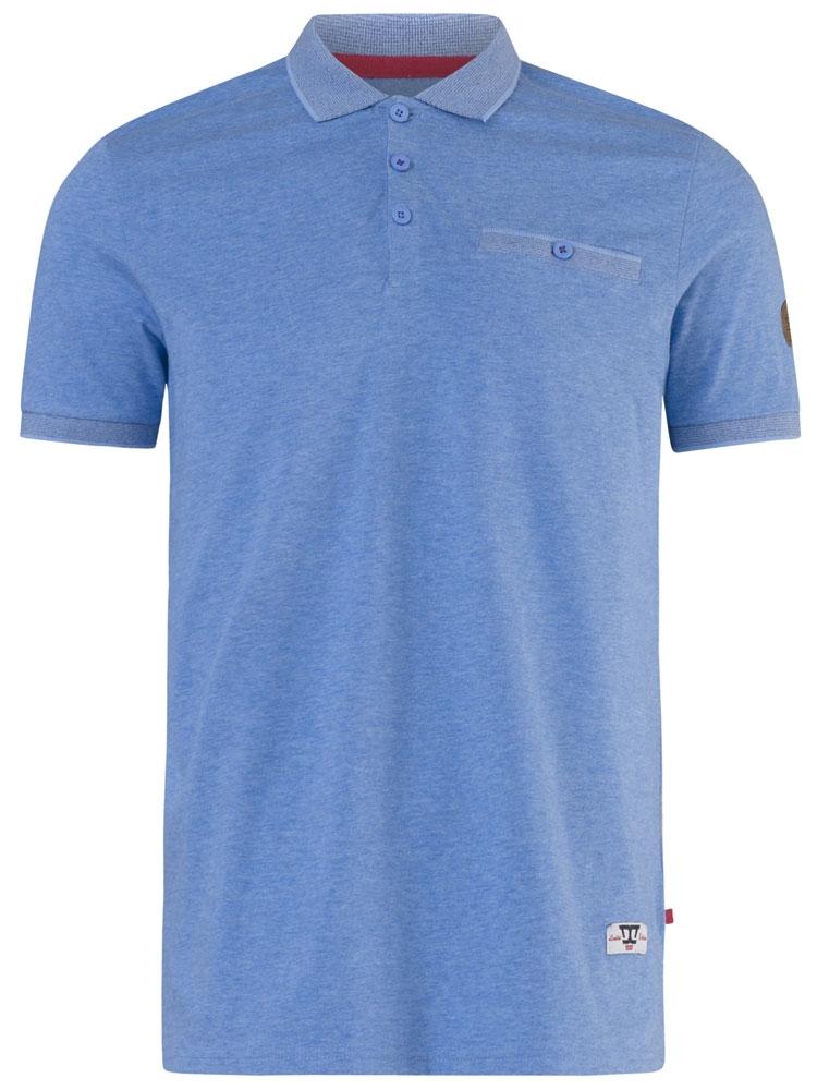 """polo """"Walker"""" van merk D555 in de kleur sky-blue, gemaakt van poly-cotton."""