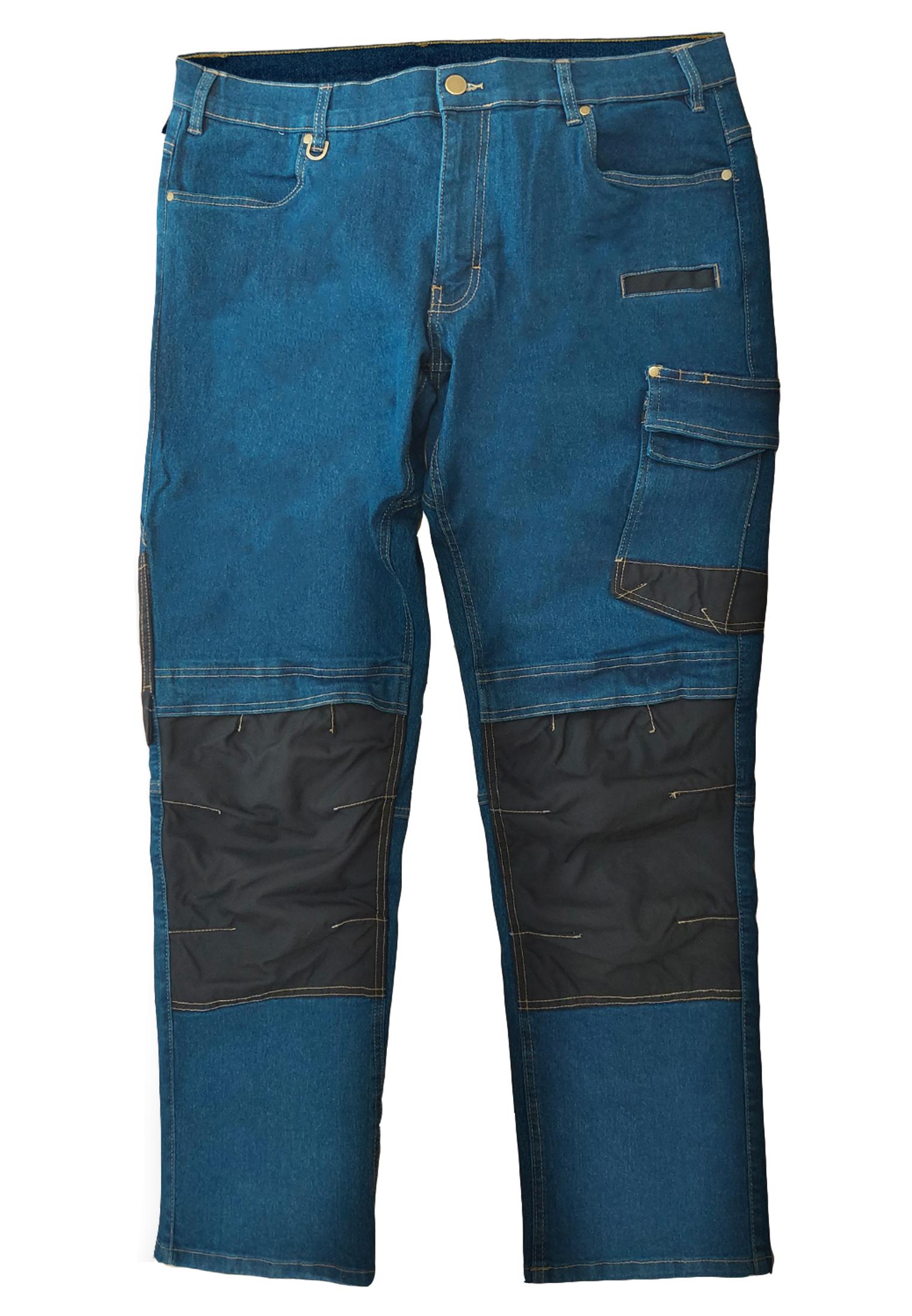 Worker Jeans van merk MELVINSI in de kleur denim bleu, gemaakt van 98% cotton 2% elasthaan. Bijzondere kwaliteit duurzame stretch jeans met Cordura 500D* versterking, kniebeschermerzakken, 2 grote achterzakken waarvan 1 uitgevoerd in robuust Cordura 500D* Meerdelige dijbeenzakken, steekzakken, telefoonzakje, duimstokzak. Comfortabele rechte pijpen. De pijpen zijn aan de achterzijde voorzien van een reflecterende band om de zichtbaarheid in het donker te vergroten. * Cordura wordt gemaakt uit nylon 6,6-vezels en het algemene kenmerk is dat de stof tegen zware belastingen bestand is. Het materiaal is bestand tegen abrasieve invloeden (slijtage door schuren), scheuren en bestendig tegen ruwe behandeling. In de kniebeschermerzakken is ruimte voor losse kniebeschermers.