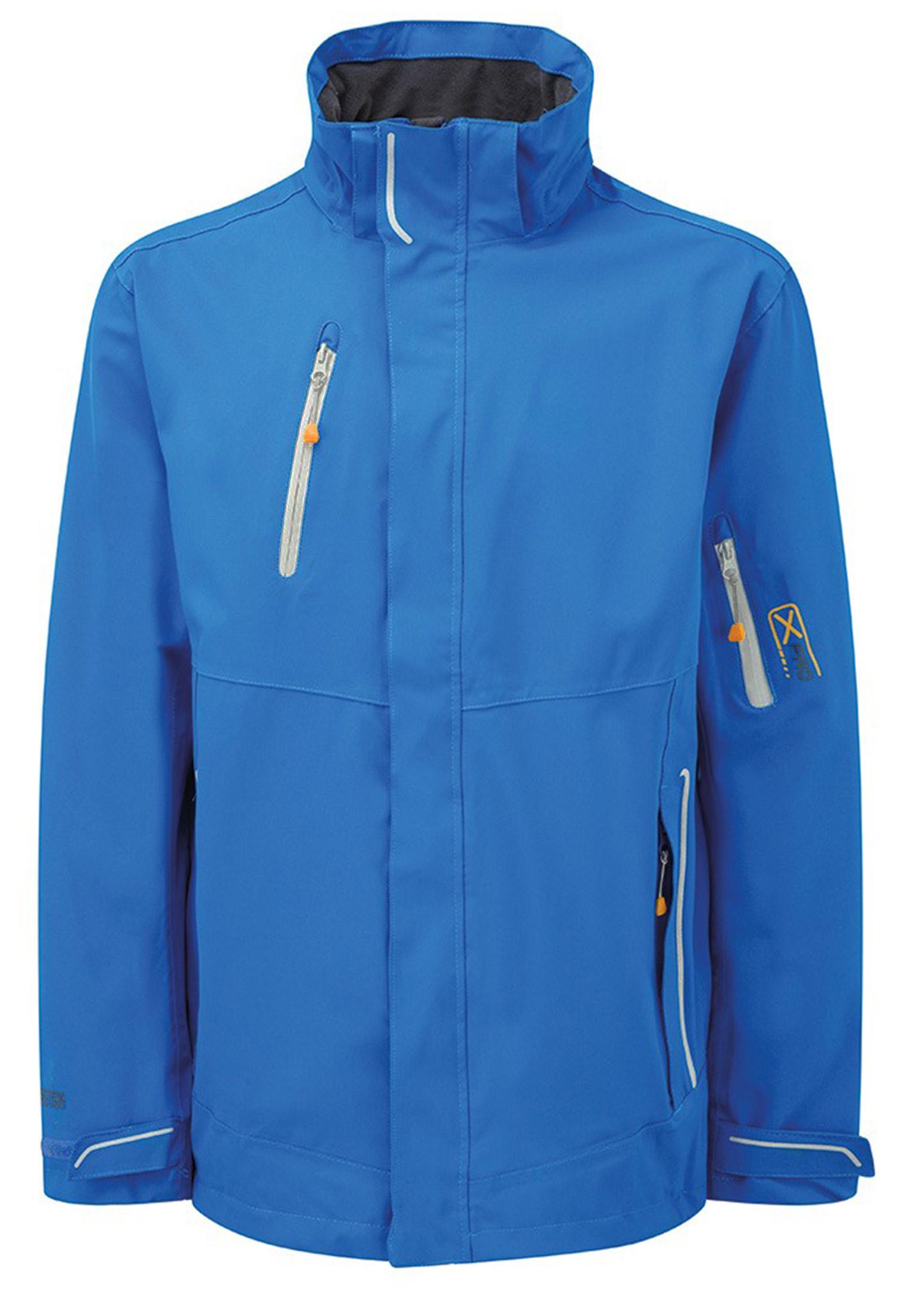 De Exosphere stretch jas, van het merk Regatta Professional, is een ademende, waterdichte jas die stijlvol is in design, waardoor het een populaire beschermende jas is in zowel werkomgevingen als buitenactiviteiten. De Exosphere-jas is gemaakt van 100% polyester stretch stof (Isotex 10000) dit zorgt voor een hoog draagcomfort en vrijheid van beweging. De jas heeft 2 zakken met ritssluiting, 1 borstzak en een zakje op de mouw beide met waterafstotende ritsen, 1 binnenzak, reflecterende details voor verbeterde zichtbaarheid, verstelbare manchetten, afneembare capuchon en een mesh voering. De jas is uitgevoerd met een dubbele rits die zowel van boven als van onder geopend kan worden, de lichtgrijze en oranje details geven de jas een leuk kleuraccent. Met elastisch trekkoord in de zoom voor een goede pasvorm.