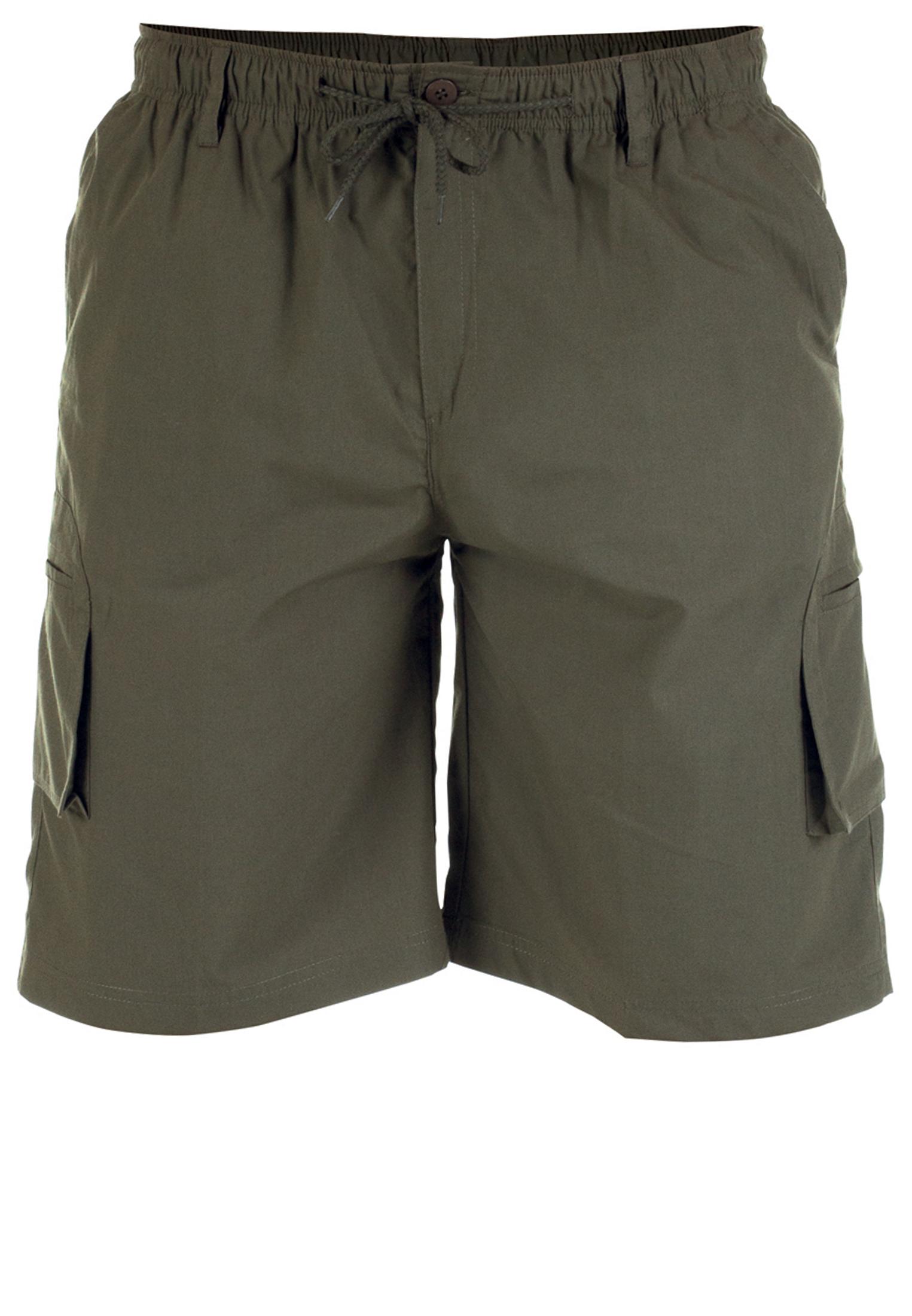 Praktische Khaki Cargo shorts van D555 met twee open steekzakken, twee zijzakken met ritssluiting. De shorts hebben een elastische band met een aantrektouwtje voor een optimaal draagcomfort. Een handige basic voor deze zomer!
